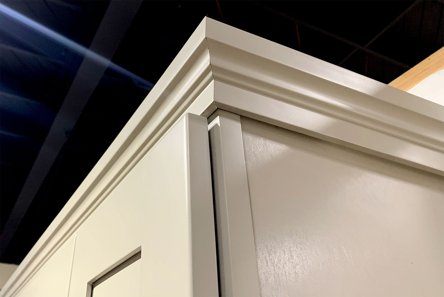 Classic White Shaker Cm2 Crown Molding Greencastle Cabinetry