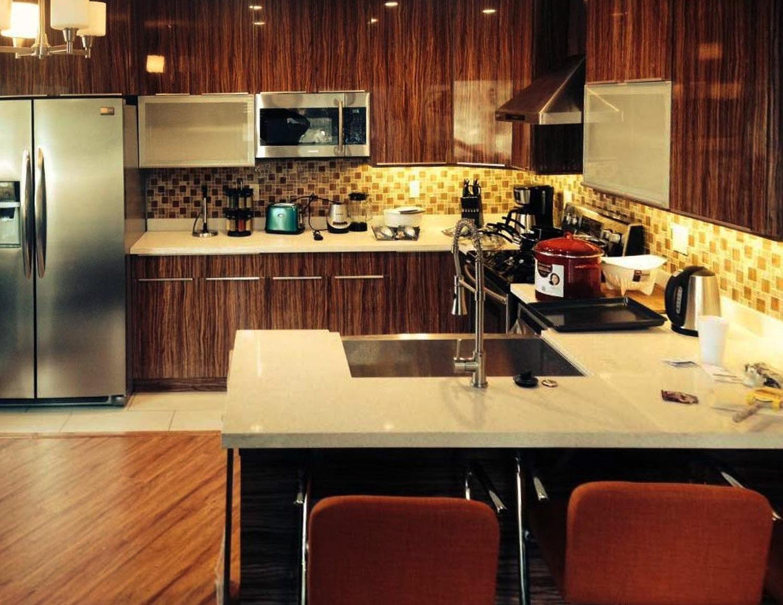 Red Ebony Hg Kitchen Cabinet