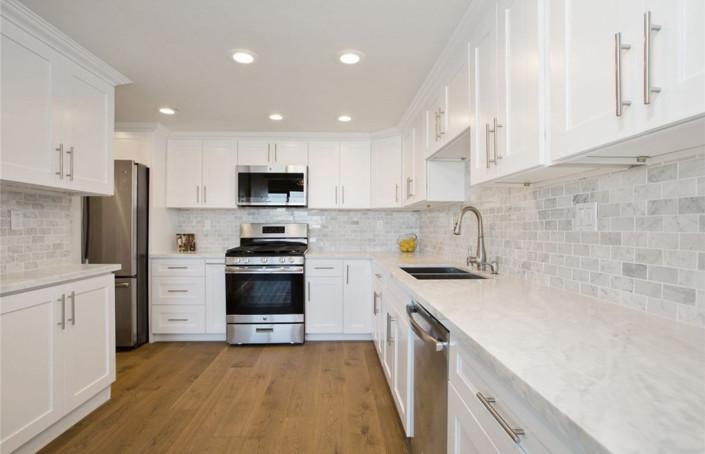 Ice White Shaker Kitchen Cabinet